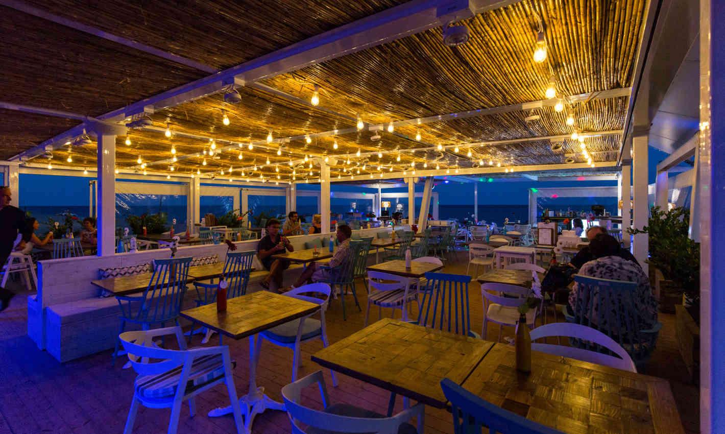 platja-gran-calella-restaurant-guingueta-nit