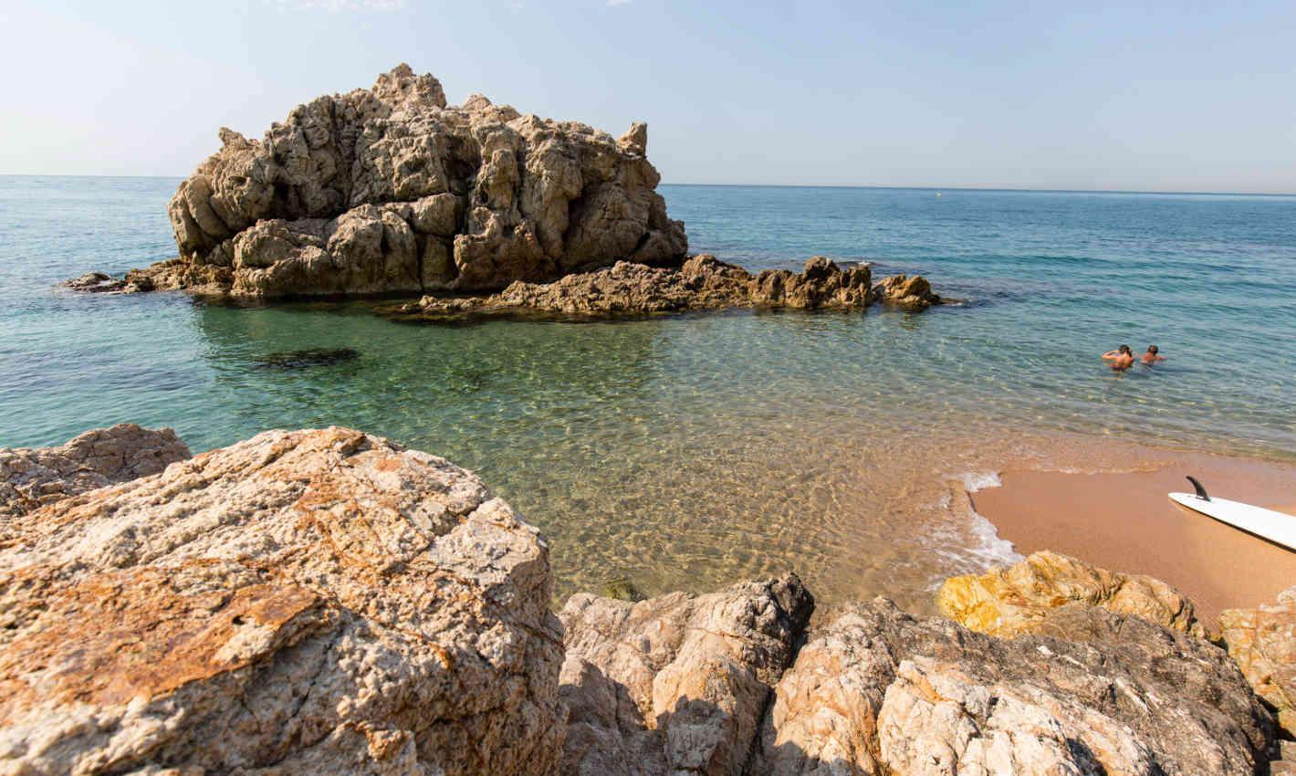 platja-roca-grossa-calella